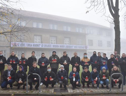 Sjemeništarci obilježili Dan sjećanja na žrtvu Vukovara i Škabrnje