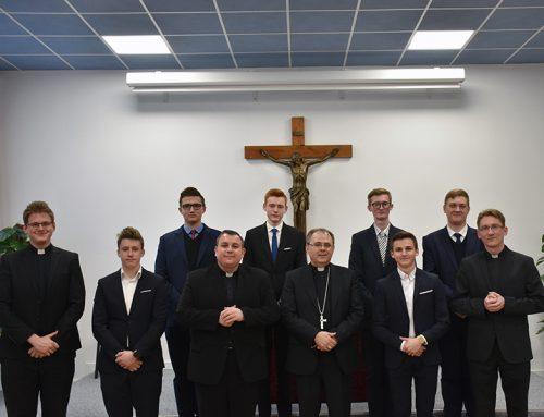Biskup Radoš posjetio sjemeništarce na Šalati