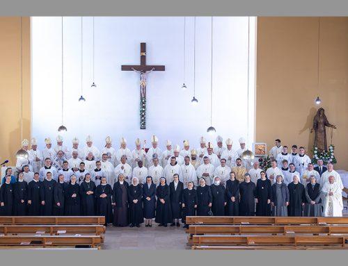 Sjemeništarci sudjelovali na euharistijskom slavlju prigodom zajedničkog hodočašća članova  HBK i HRK u Nacionalno svetište sv. Josipa u Karlovcu